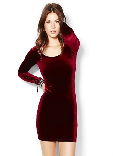 burgundy dress with long sleeves