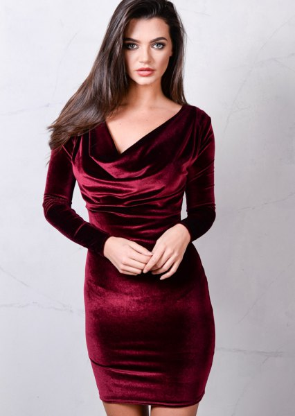 burgundy long sleeve dress in velvet at the neck