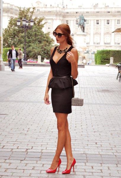 black deep v-neck peplum bodycon mini dress