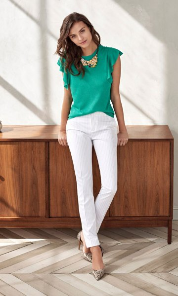 gray fluttering sleeve top white chinos