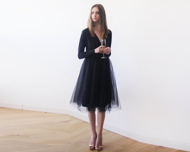 Long sleeve v-neck loose fit tulle dress