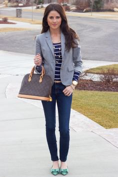 navy and white striped t-shirt skinny jeans