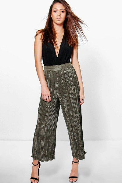black deep v-neck top gray palazzo pants