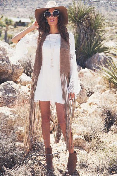 white long sleeve dress green faux fur vest