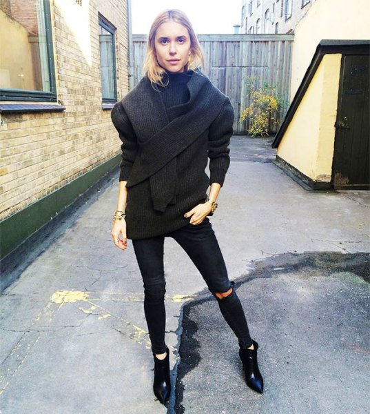 dot toe ankle boots black wool coat ripped skinny jeans