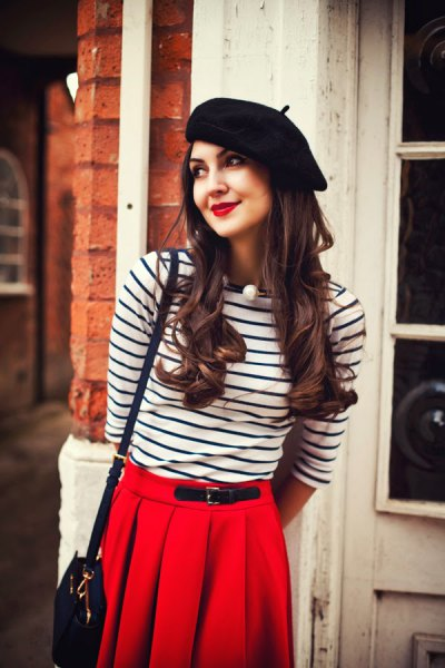 black painter hat long sleeve striped t shirt pleded skirt