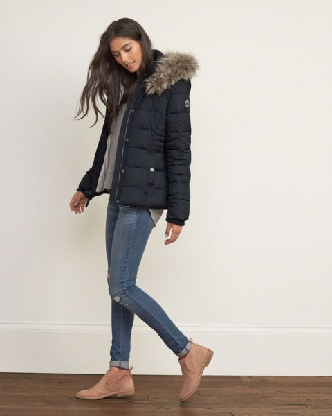 gray t-shirt skinny jeans puffer jacket