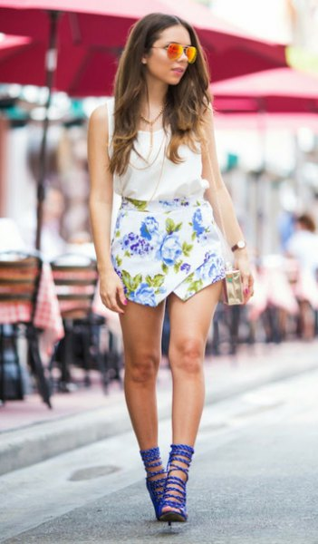 blue strappy heels white floral shirt