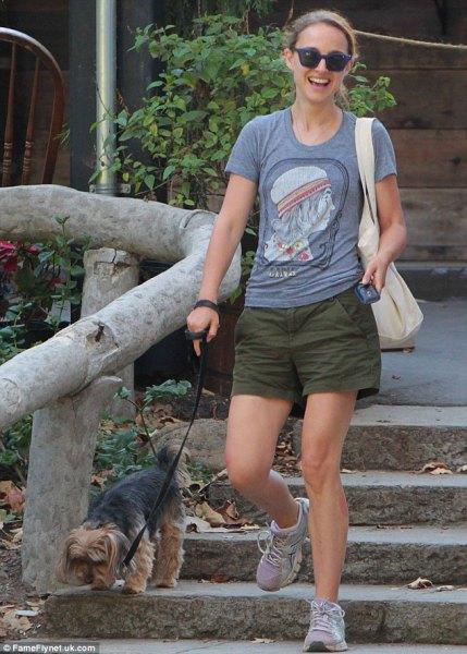 bermuda hiking shorts gray t-shirt