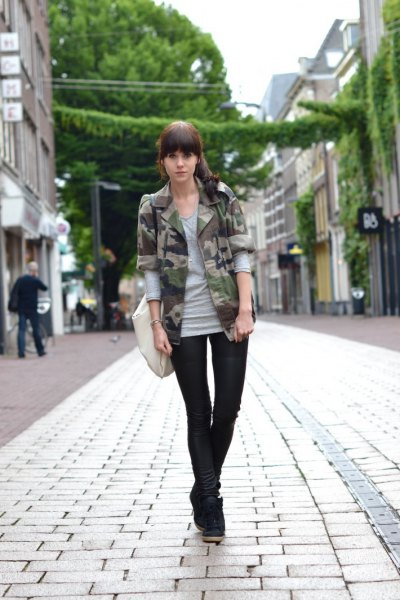 gray long sleeve t-shirt camo blazer