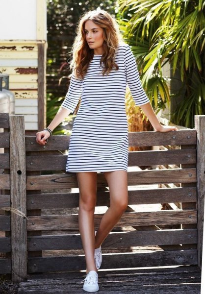 long sleeve black and white striped t-shirt dress