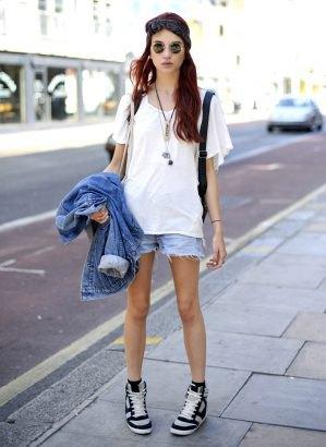 denim jacket shorts oversized white t-shirt