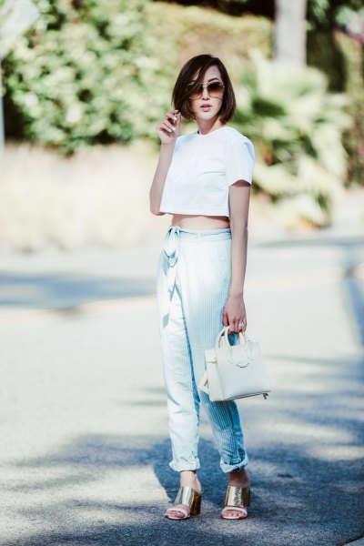 white crops of top linen