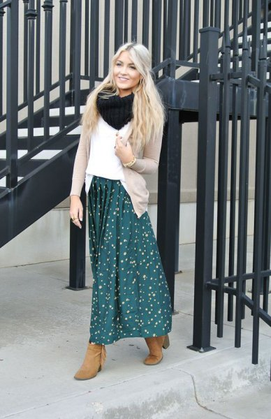 blue polka dot maxi skirt white sweater