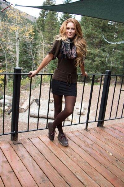 mini skirt gray short sleeves knitted sweater chukka boots