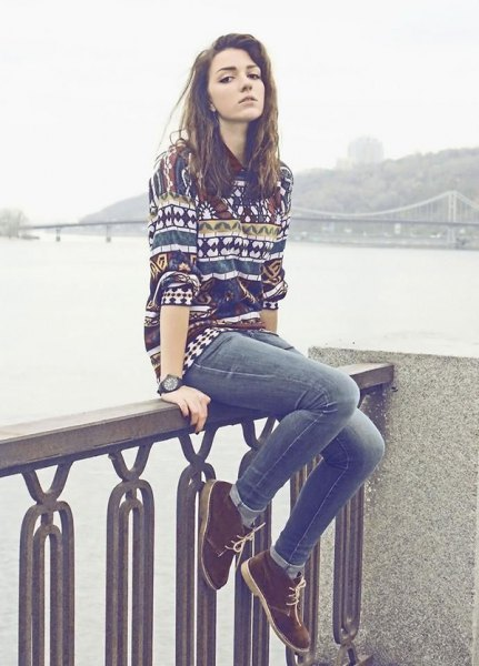 colorful pattern sweater jeans chuck boots