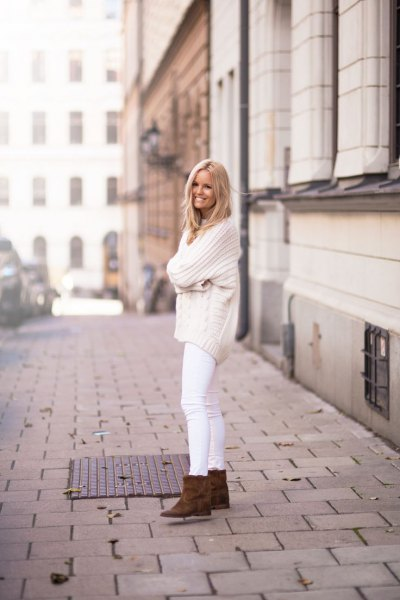 comfortable knitted sweter white jeans