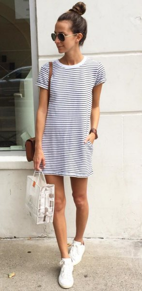 horizontal striped tee dresses white cloth shoes