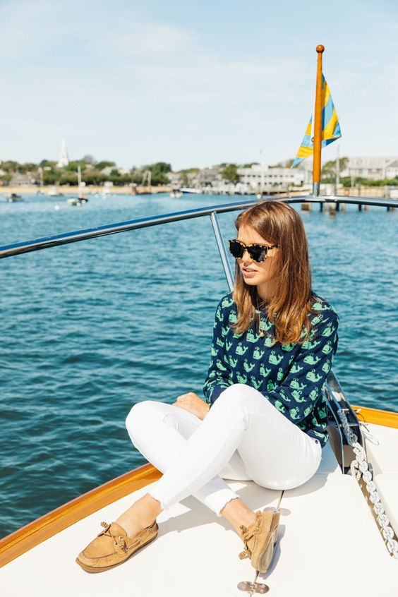 boat shoes print shirt