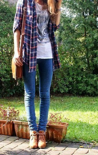skinny jeans white print tee flannel checkered shirt