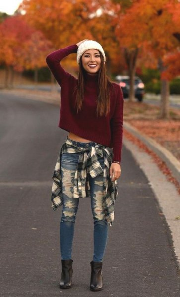 tie flannel shirt around the waist cropped sweater jeans