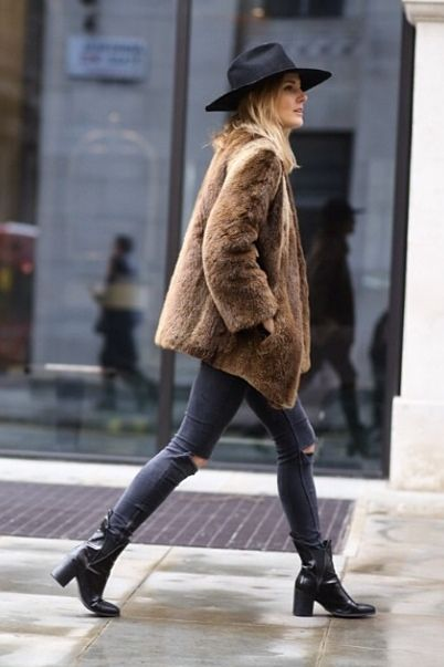 faux fur rock chelsea boots