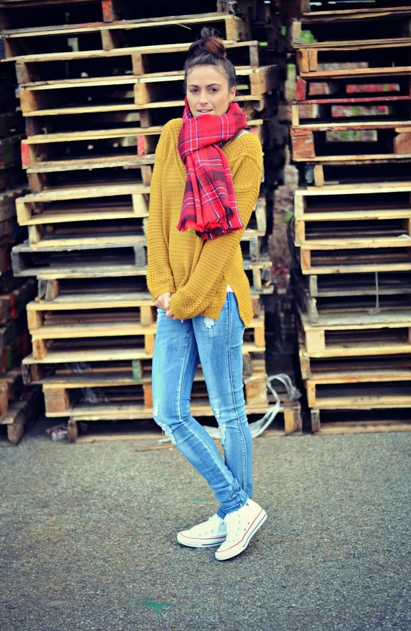white high top converse green sweater scarf