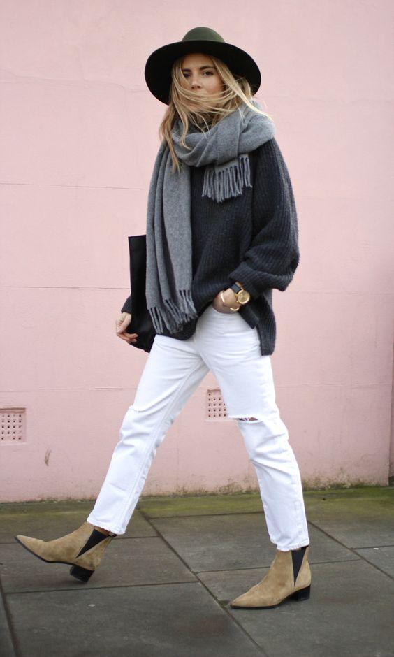 chelsea short boots beige