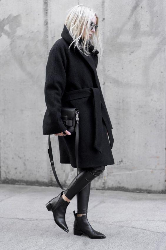 chelsea short boots black