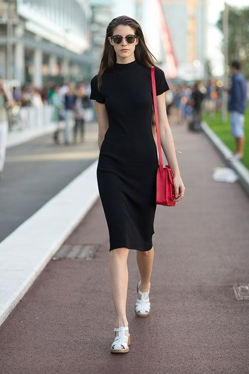 model off duty black bodycon dress