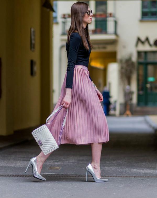pleated skirt look