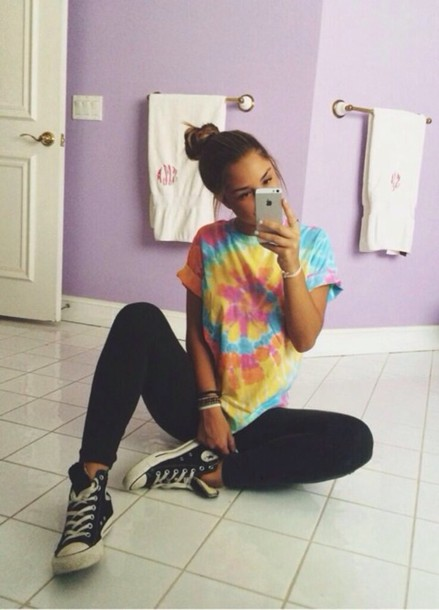 tie dye t-shirt yoga tights