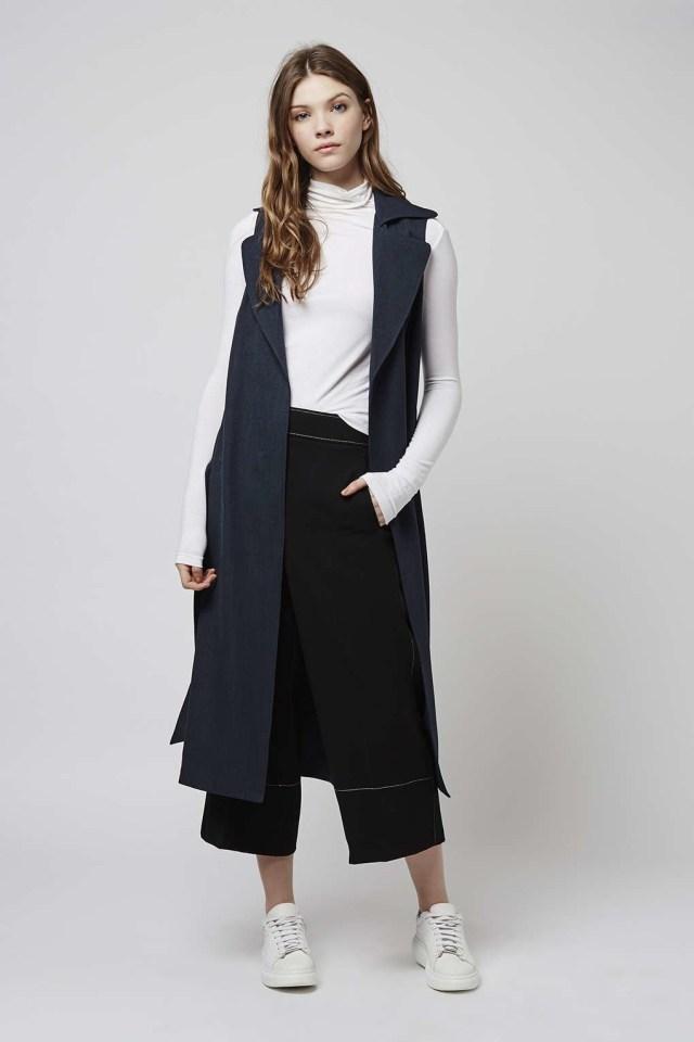 long-line sleeveless jacket outfit idea