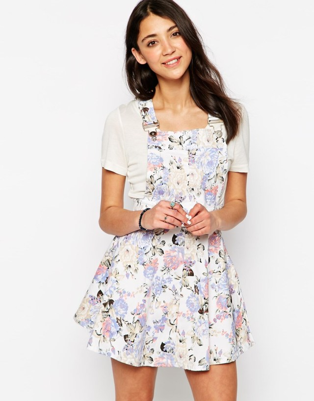 floral denim overall dress outfit