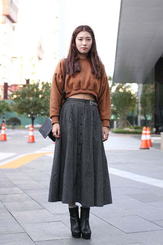 cropped sweater with high waist maxi shirt