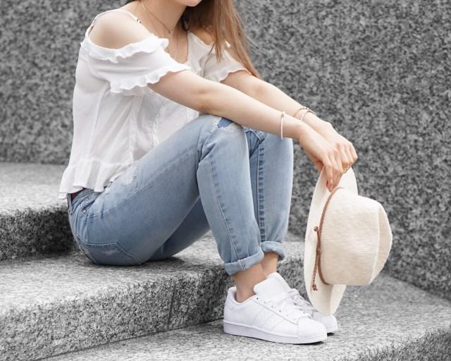 cold shoulder blouse boyfriend jeans