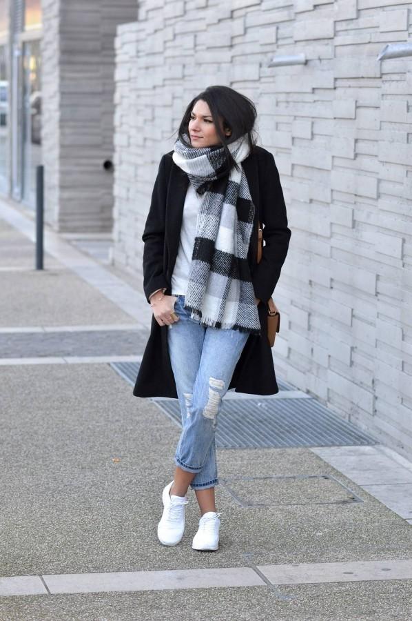 scarf coat boyfriend jeans outfit idea