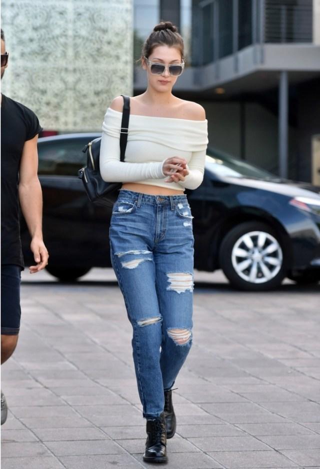 cropped long sleeve t-shirt boyfriend jeans
