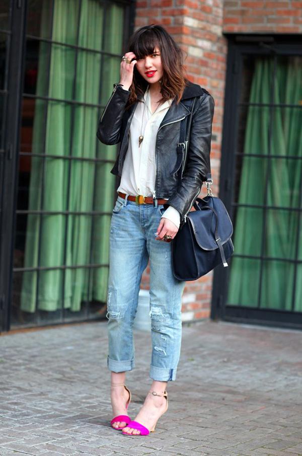 boyfriend jeans black leather jacket outfit idea