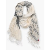 Levi's elongated scarf