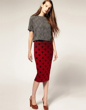 Pencil skirt with textured dots