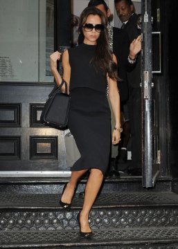 Black pencil skirt Outfit