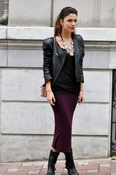 Pencil skirt, black top, leather blisters, black boots