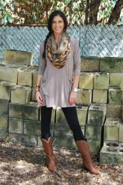Casual tunic and leggings