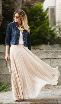 Maxi skirt and denim jacket