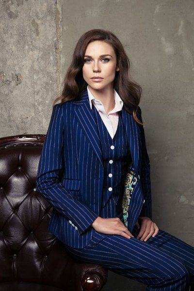 How to Wear 3 Piece Suit: Best 15 Stylish Outfit Ideas for Women .