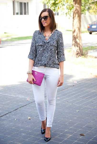 black and white printed three-quarter sleeve blouse with skinny jeans