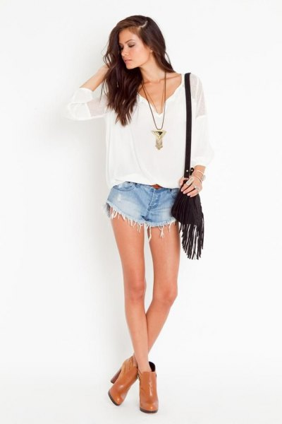 white v-neck blouse blue denim lace shorts
