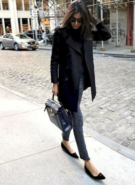 black blazer with gray slim fit jeans and pointed flats