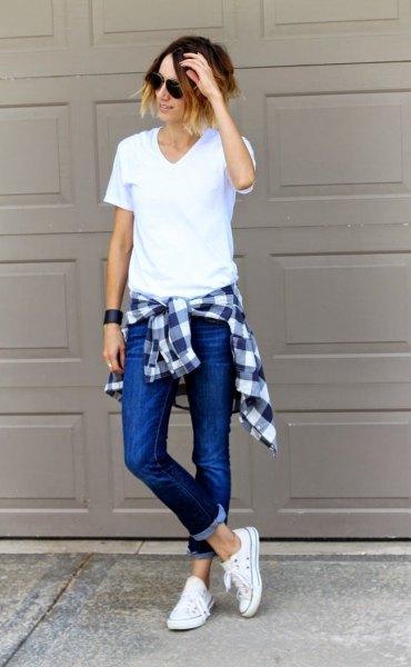 white v-neck shirt with skinny jeans and plaid boyfriend shirt